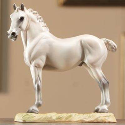 Breyer A Kings Mount Resin Horse