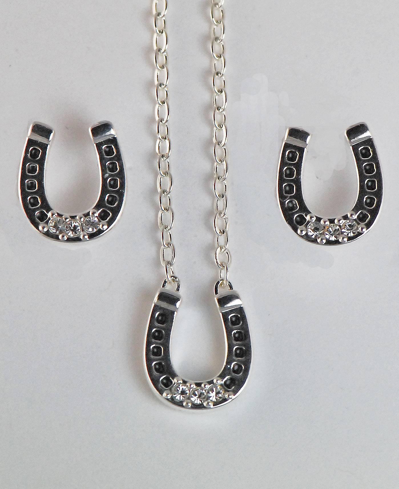 Western Edge Crystal Stones Horseshoe Earrings and Necklace Set