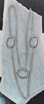 Joppa 3 ''O'' Chain Neck Silver Color