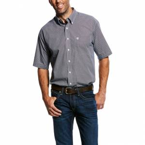 Ariat Mens Wrinkle Free Lucky Short Sleeve Print Shirt