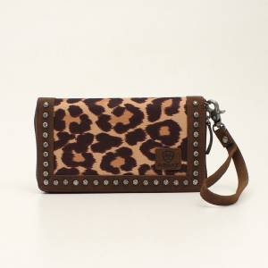 Ariat Cruiser Leopard Print Matcher Clutch Purse