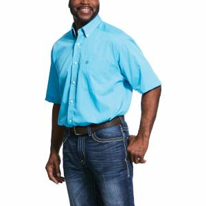 Ariat Mens Wrinkle Free Solid Pinpoint Oxford Classic Fit Short Sleeve Shirt