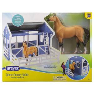 Breyer Deluxe Country Stable with Horse & Wash Stall