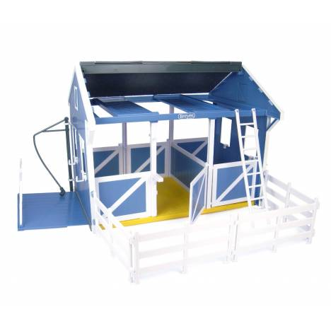 Breyer Classic Stable w/ Wash Stall