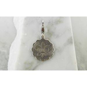 Barbary Scalloped Monogram Disk