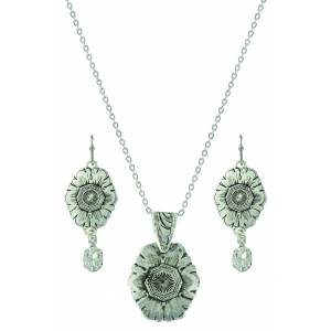 Montana Silver Antiqued Floral Pendant Jewelry Set