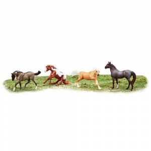 Breyer Wild at Heart 4 Horse Set 6035