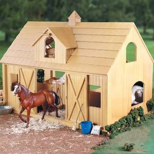 Breyer Deluxe Barn